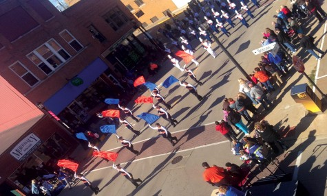 Platteville Community gathers  for campus' annual Homecoming Parade