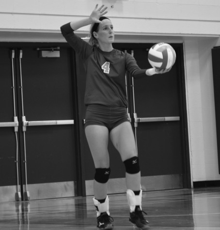 Volleyball breaks even during home tournament