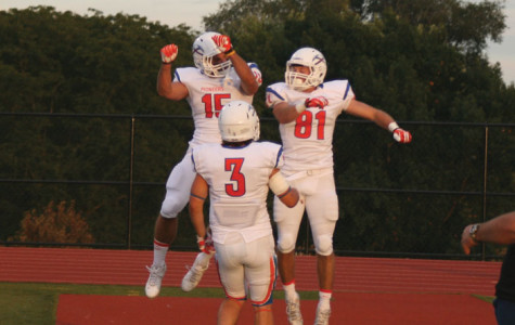 Pioneers rally past Dubuque 38-24