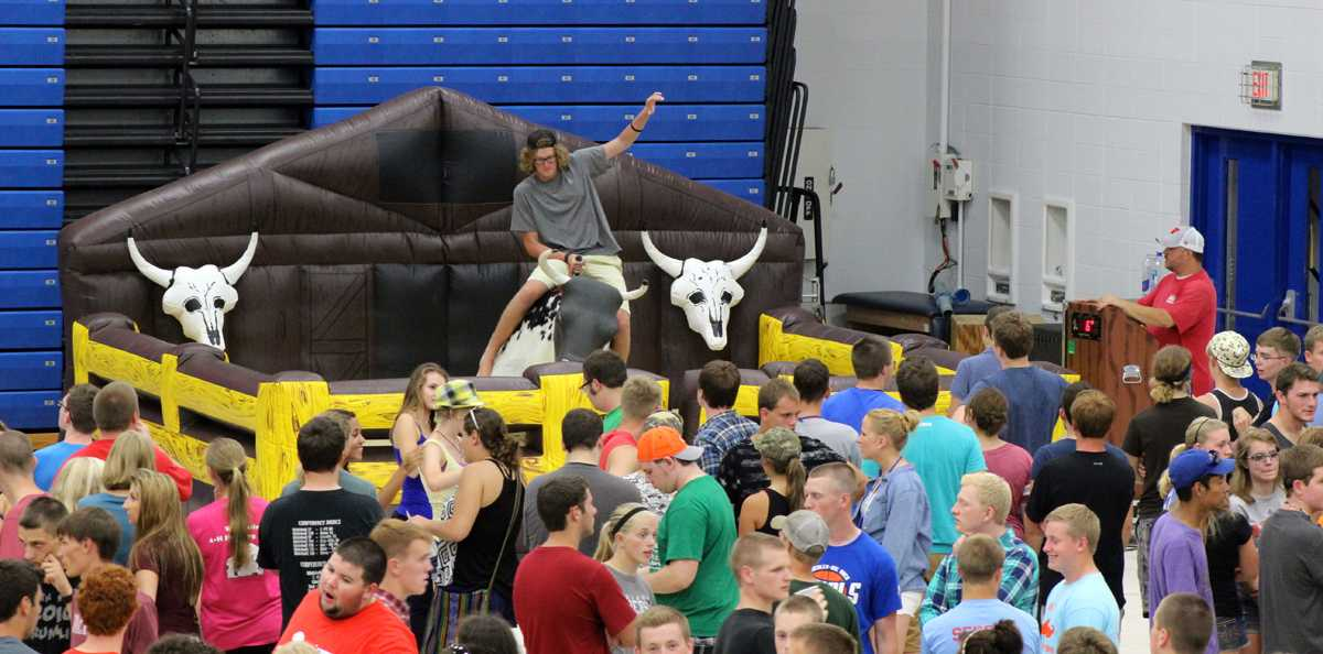 The University of Wisconsin-Platteville welcomed its students with The Rockin' Block Party, held at Bo Ryan Court.