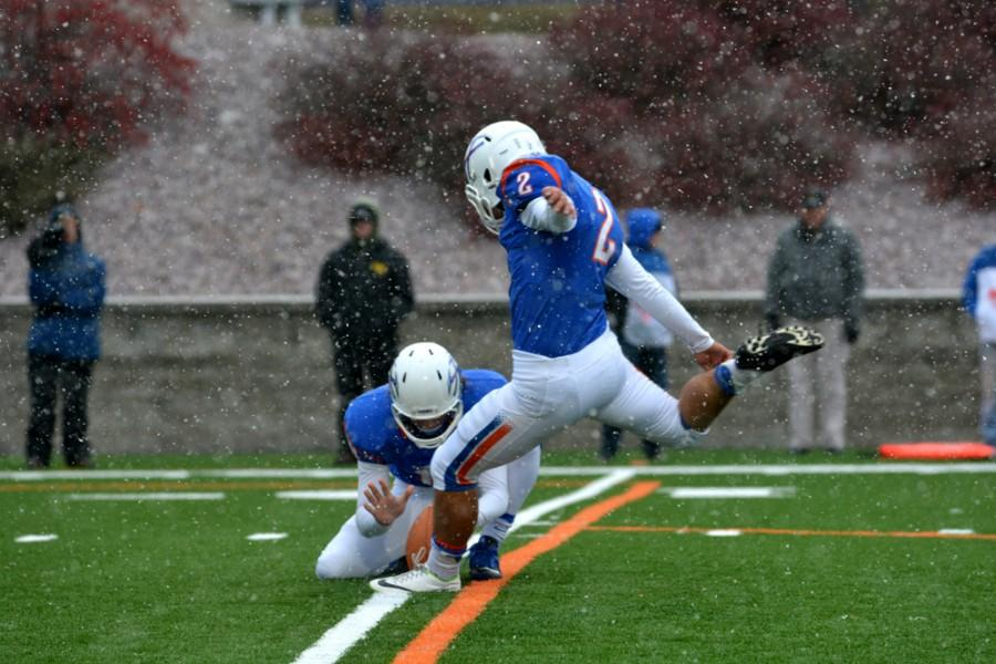 Freshman kicker Pat Frito hits a 23-yard field goal at the end of the fourth quarter to tie the game, 10-10. The Pioneers eventually lost to the Titans in triple overtime, 30-27.