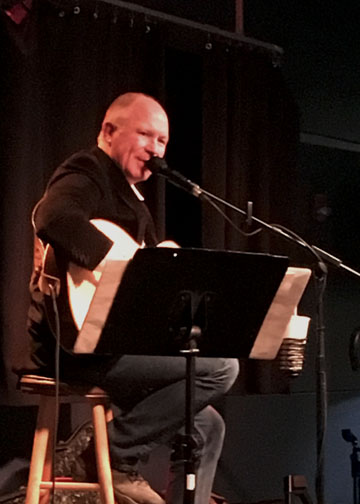 Cover artist Ralph Kluseman performs at Campus Programming and Relations first Haus of music event of the semester.