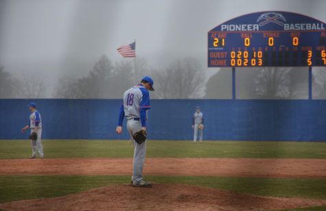 Baseball ends losing skid against Yellowjackets