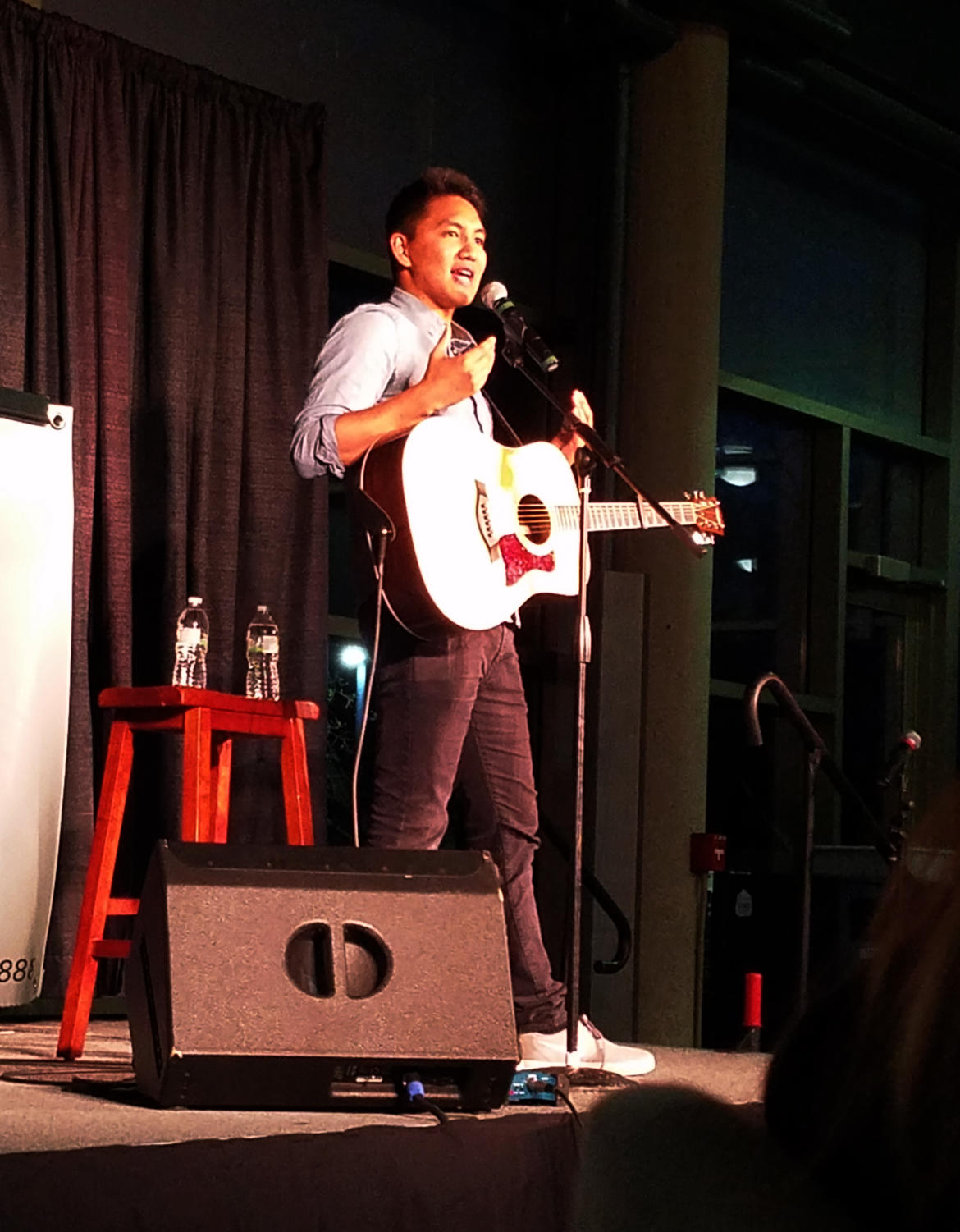 De Guzman improvs a song about pugs and bacon.