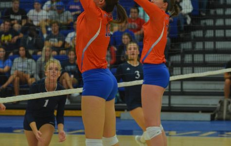 Women's volleyball fights hard against the Blue Devils