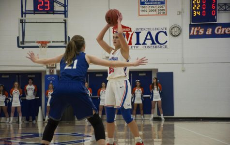 Pioneer basketball defeats Luther College