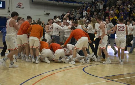 Pioneers crowned WIAC conference champs